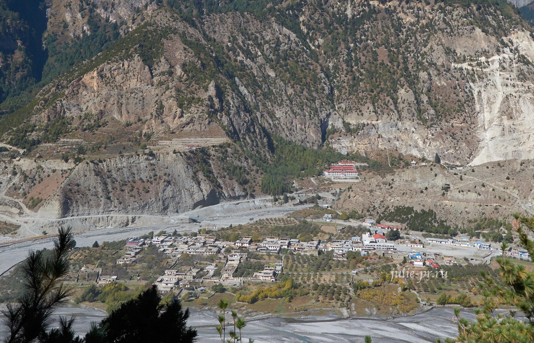 Непал, Трек вокруг Аннапурны, Деревня Тукуче