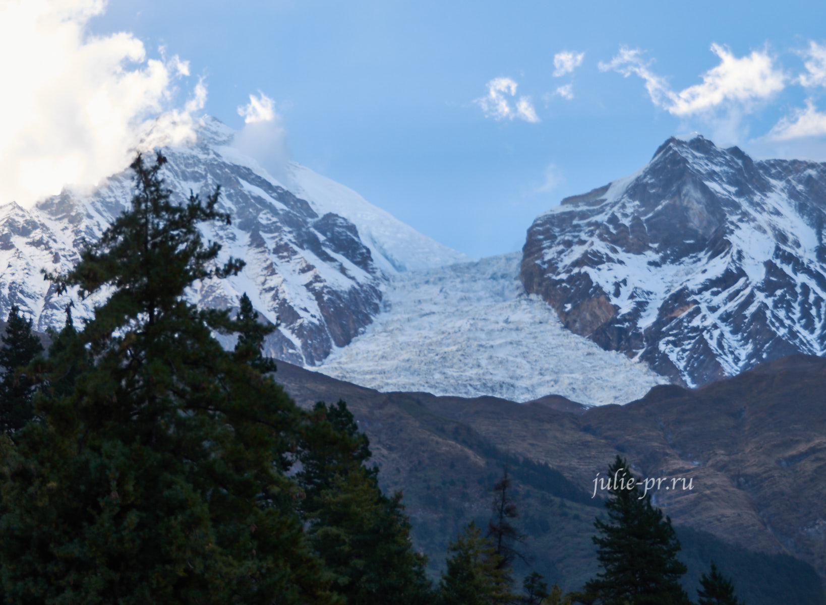 Непал, Трек вокруг Аннапурны, Ледопад Дхаулагири