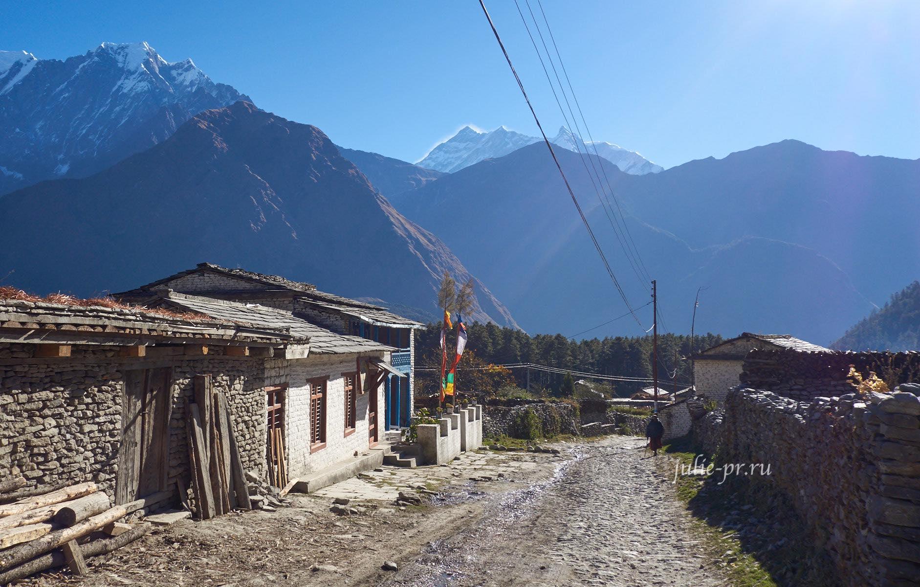 Непал, Трек вокруг Аннапурны, Лете