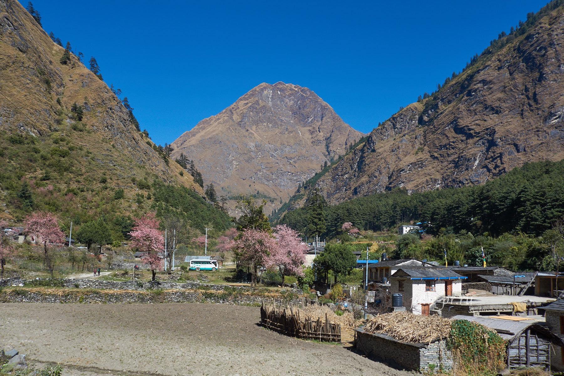 Непал, Трек вокруг Аннапурны, Гхаса
