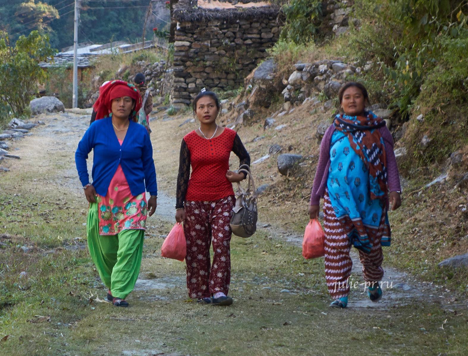 Непал, Трек вокруг Аннапурны, Дана, Женщины