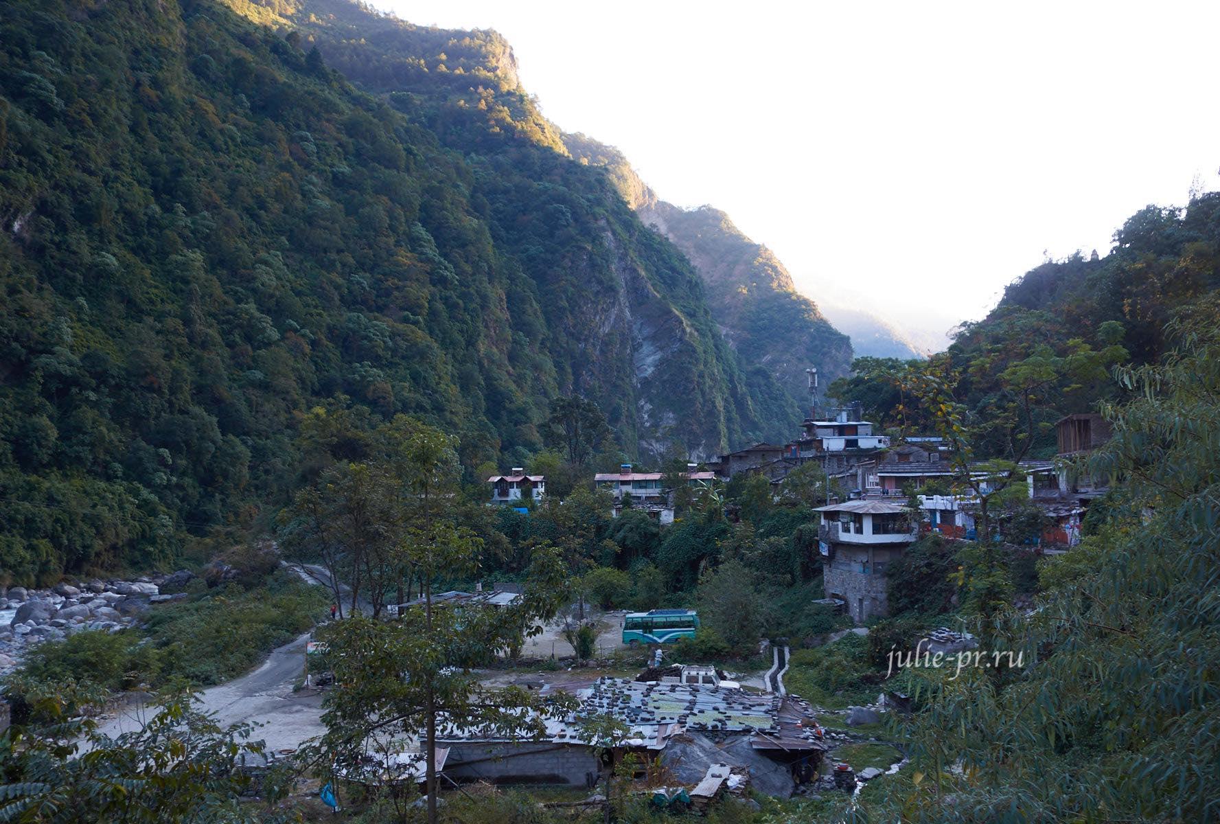 Непал, Трек вокруг Аннапурны, Татопани