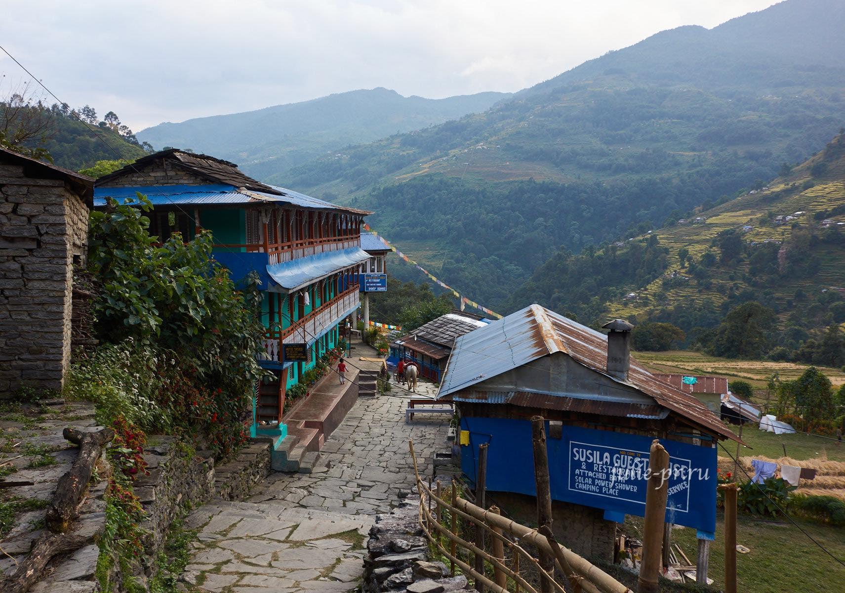 Непал, Пун-Хилл трек, Хилле – Тикхедхунгга