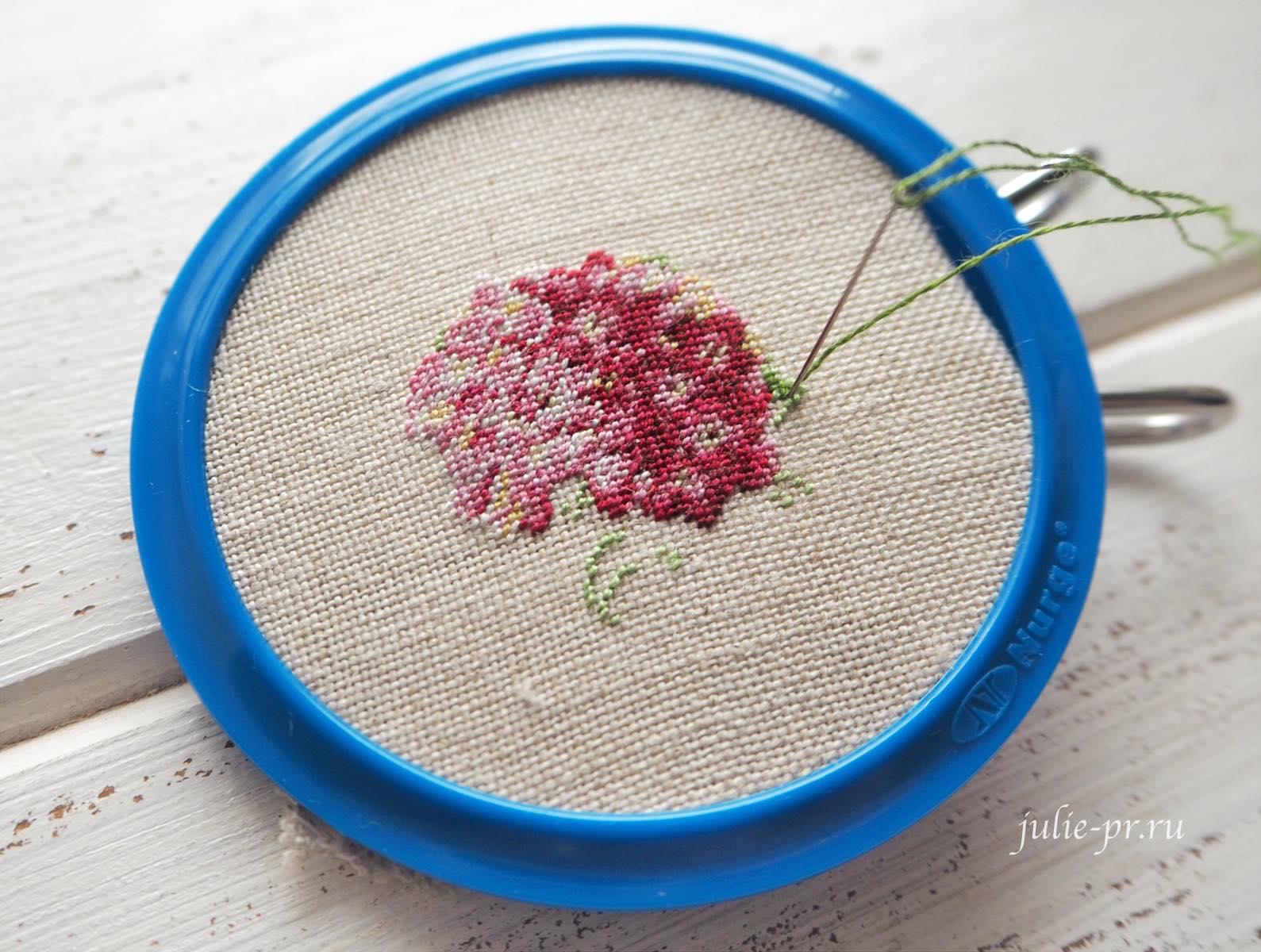 LB-Accessories, Life is beautiful, вышивка петитом, petit point, микровышивка, кулон с вышивкой, розовая гортензия, заломы пяльцы нюрге, nurge