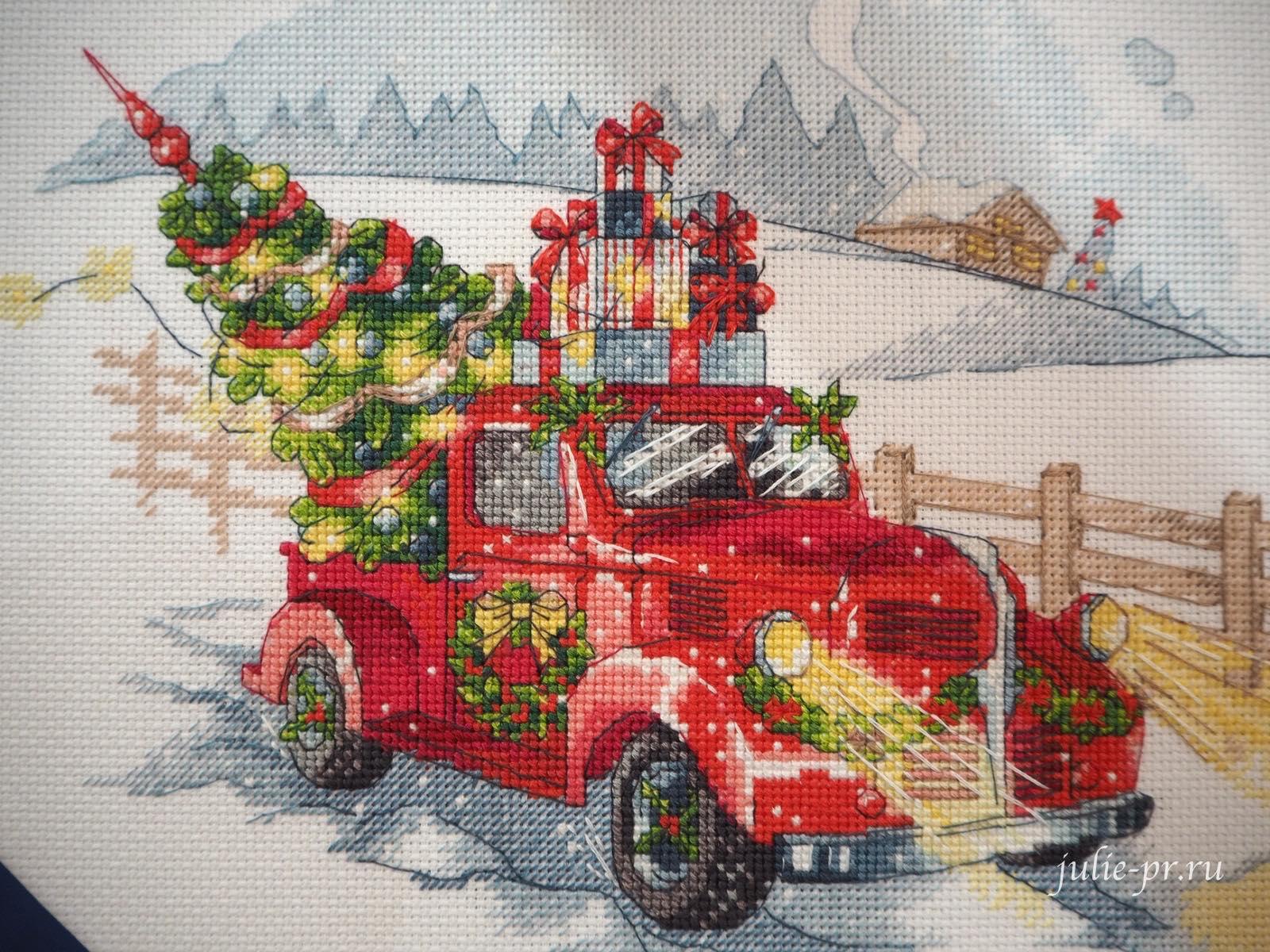 Риолис, новогодняя красная машина, вышивка крестом