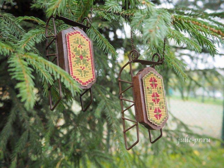 деревянные санки с вышивкой, саночки, Small Sled Ornament, Quaker Sleds, Foxwood Crossings, вышивка крестом, елочная игрушка, вышивка на перфорированной бумаге Mill hill, Darice, Christmas Ornament