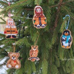 Ёлочные игрушки на деревянных основах «Дивная вишня»