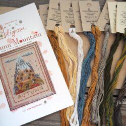 «Осень в горах». Как вышивать нитками ручного окрашивания