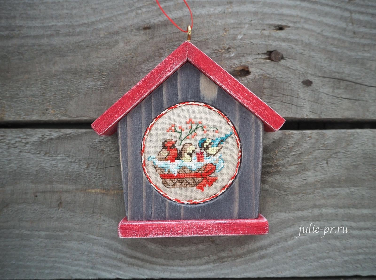 вышивка крестом, вышитые елочные игрушки, парижские вышивальщицы, les brodeuses parisiennes, Veronique Enginger, схемы для вышивки, Le grand ABC de Noel, Большой рождественский алфавит, птички