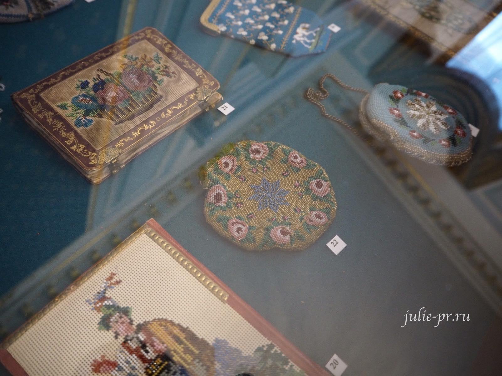 выставка Как роза ты нежна, вышивка бисером, музей усадьба Г. Р. Державина