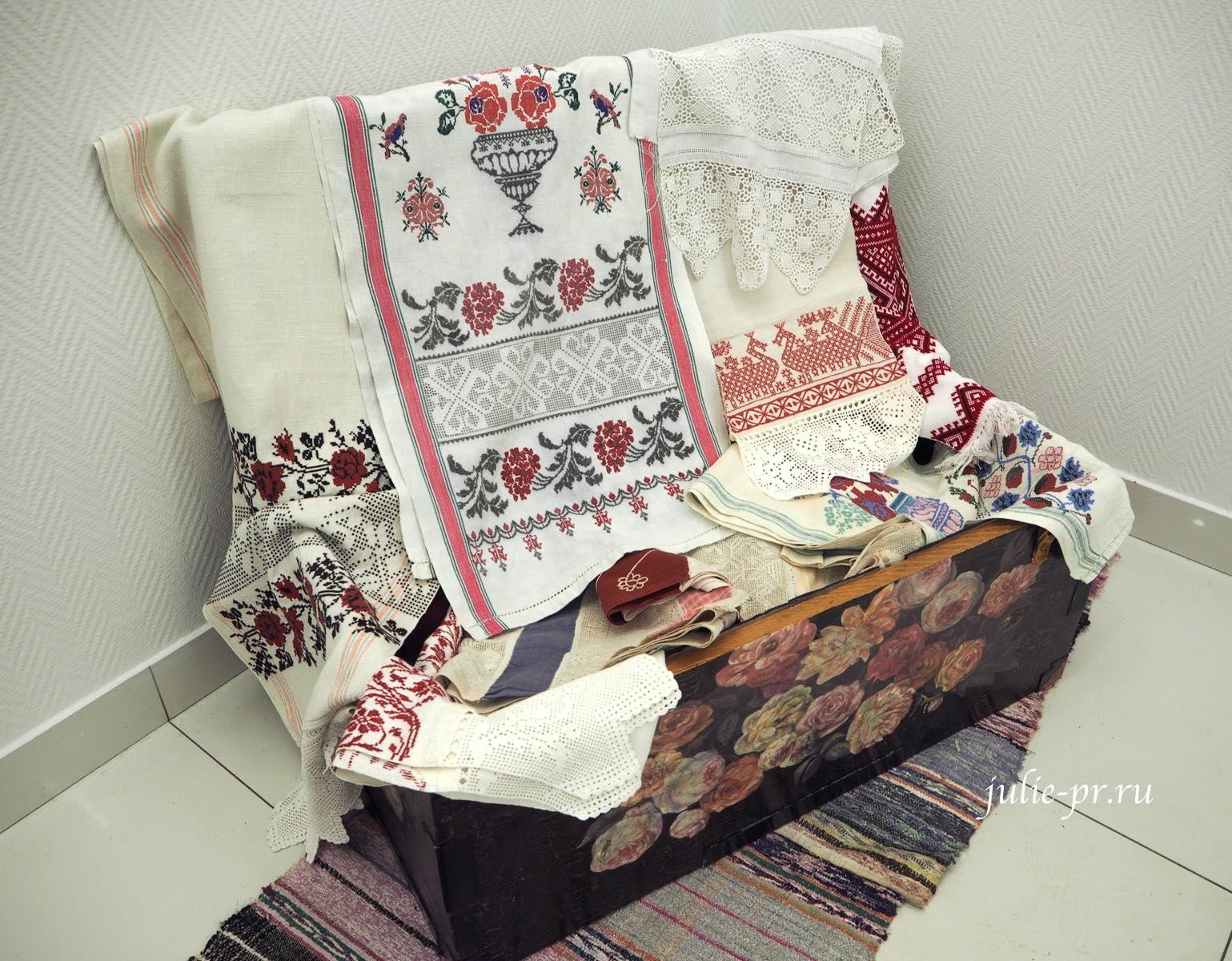 старинные вышивки крестом, выставка, Иголочка тонка, да достаёт до сердца, Санкт-Петербург,