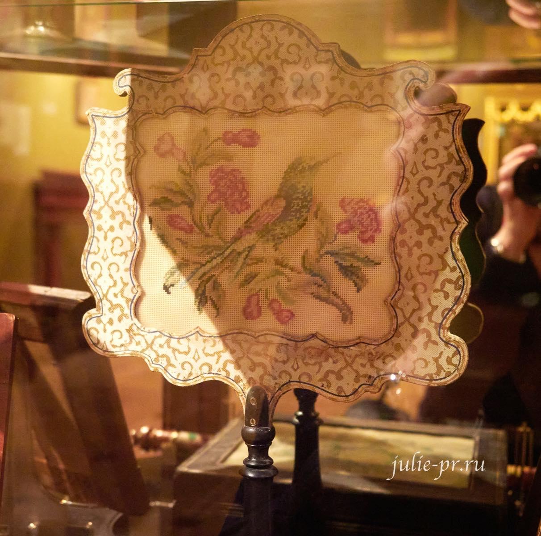 Экран для свечи, 1840-е гг, Западная Европа, вышивка крестом, вышивка гарусом по перфорированной бумаге, выставка Старинные вышивки