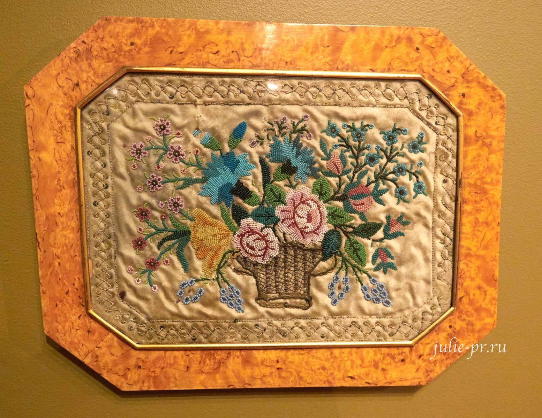Корзина с цветами, конец XVIII — начало XIX вв, Россия, вышивка бисером и шёлком, выставка Старинные вышивки
