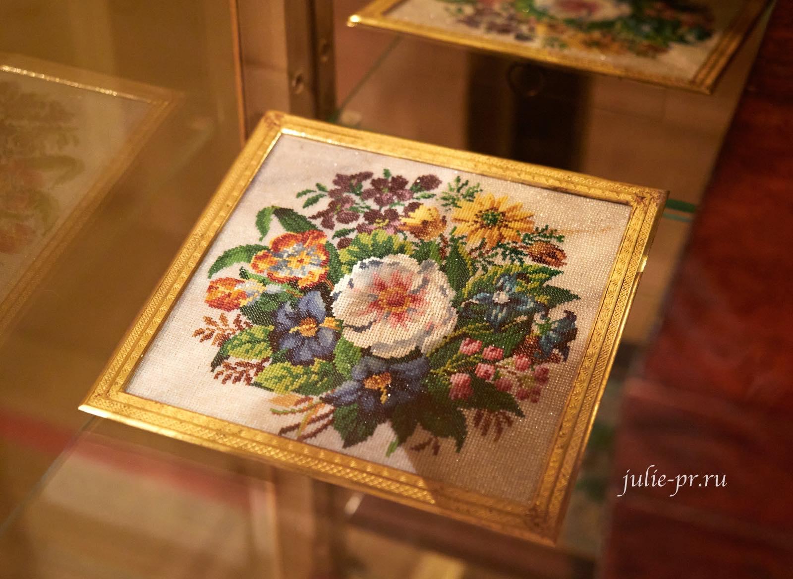 Букет цветов, 1820-е гг, Россия, вышивка бисером, выставка Старинные вышивки