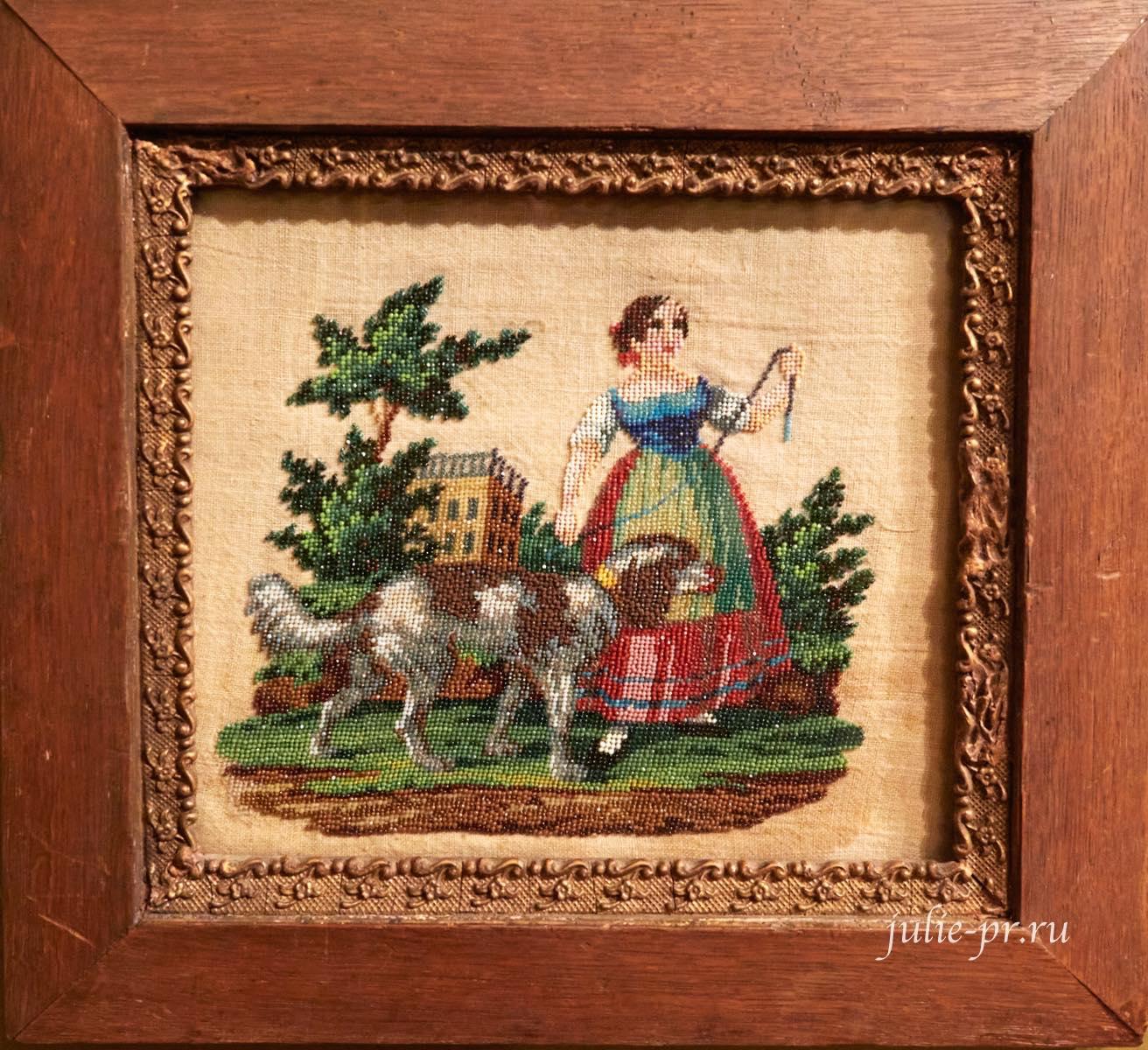 Девочка с собакой, 1810 год, вышивка бисером, выставка Старинные вышивки
