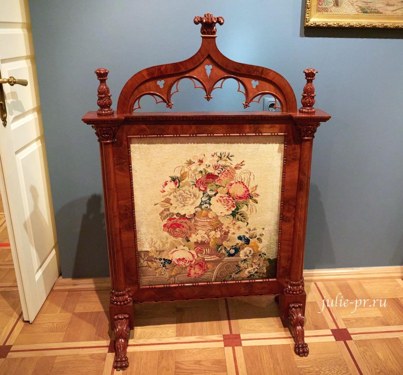 Экран для камина, вышивка крестом, выставка Старинные вышивки