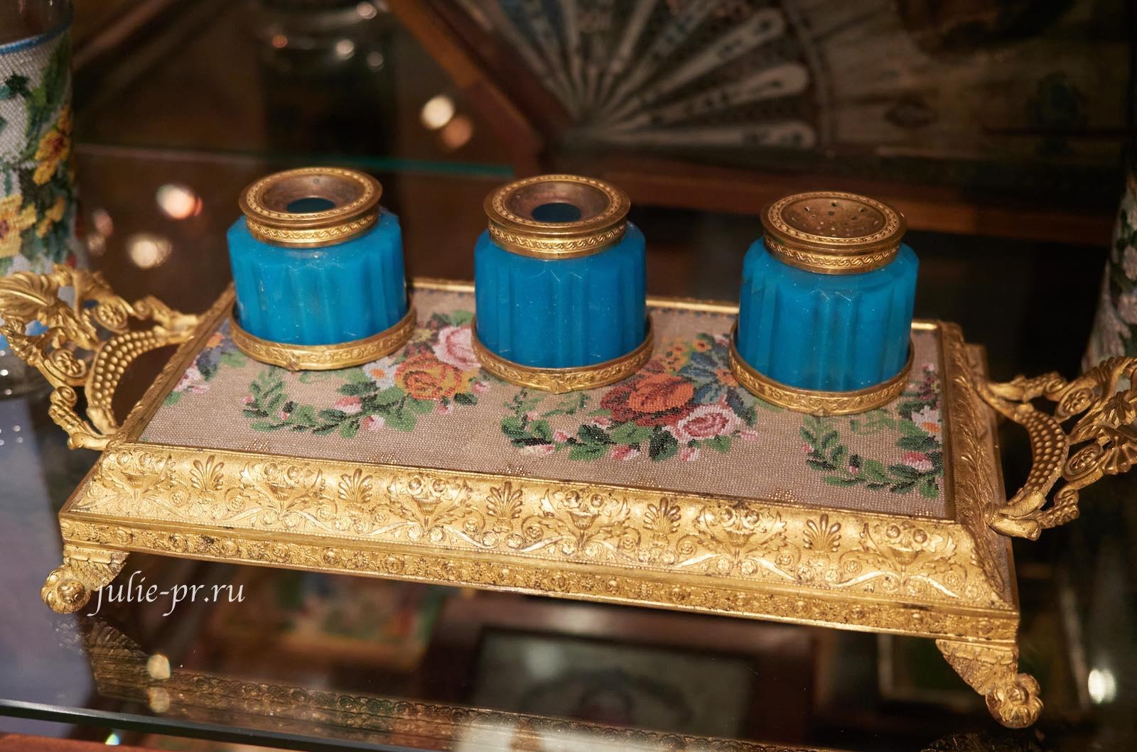 Подставка для чернильного набора, 1820-е — 1830-е гг, Россия, вышивка бисером, музей Тропинина, выставка Старинные вышивки