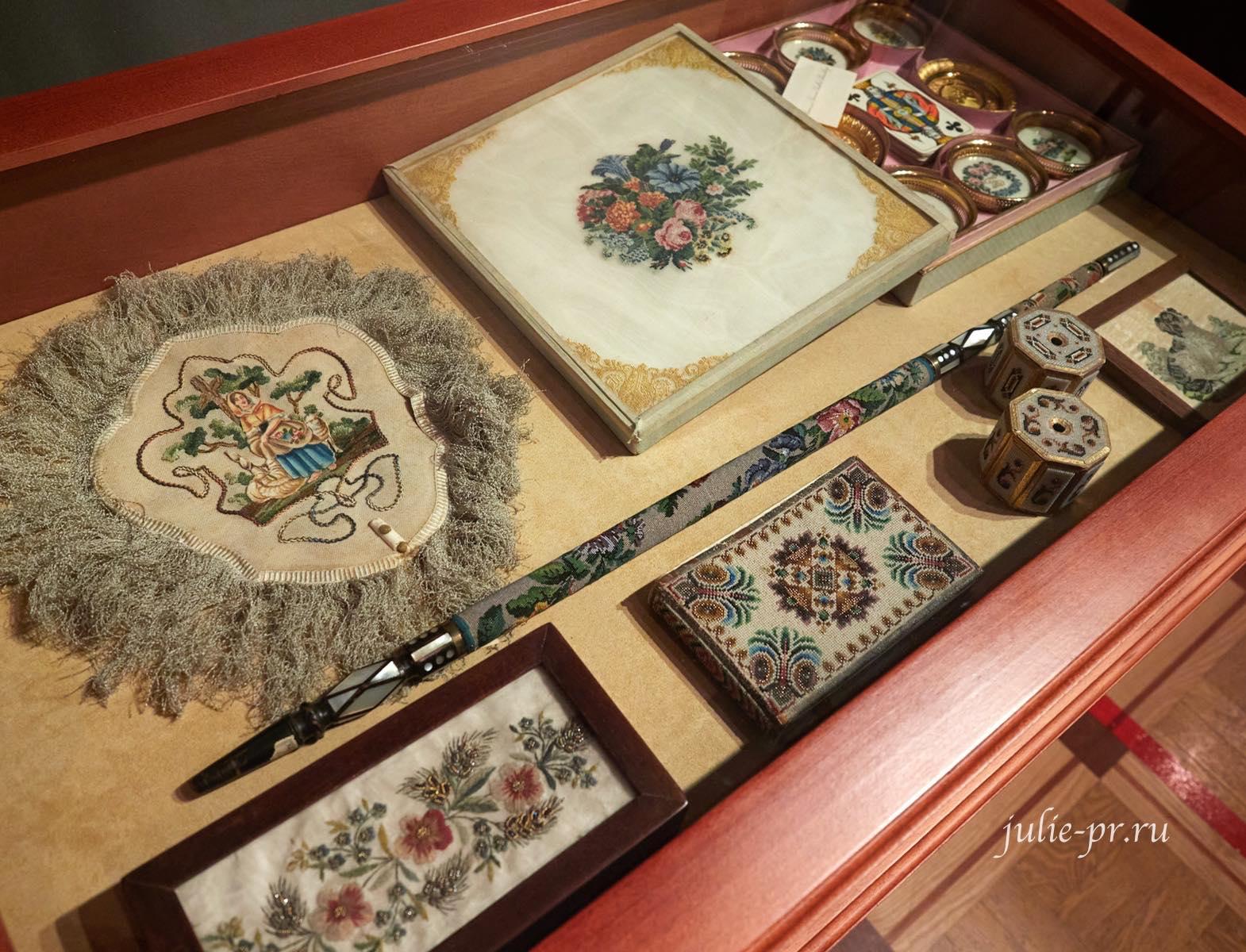 Александр Васильев, музей Тропинина, выставка Старинные вышивки