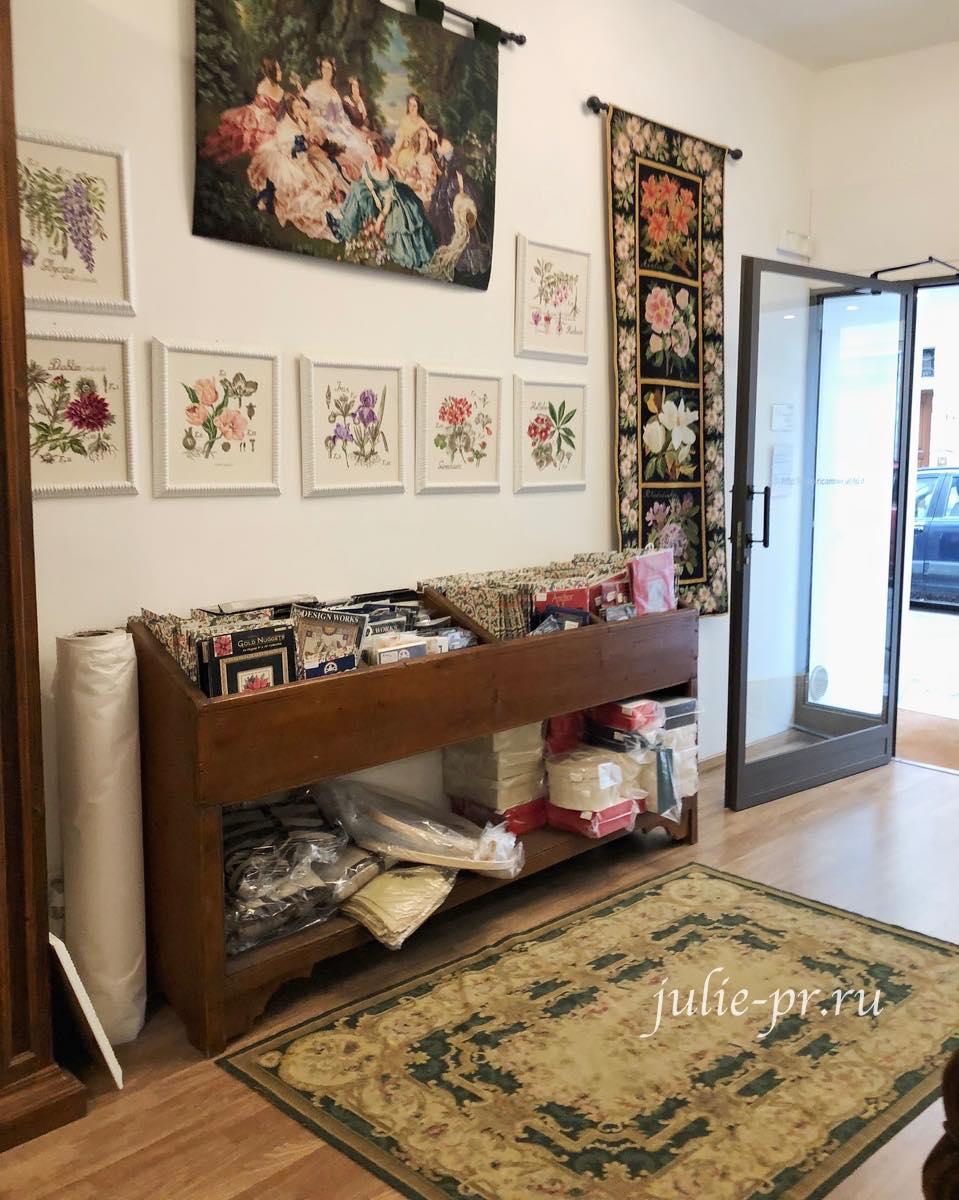 Рукодельный магазин Ricamo & Cucito, Флоренция, Италия, вышивка крестом, ботаника Veronique Enginger