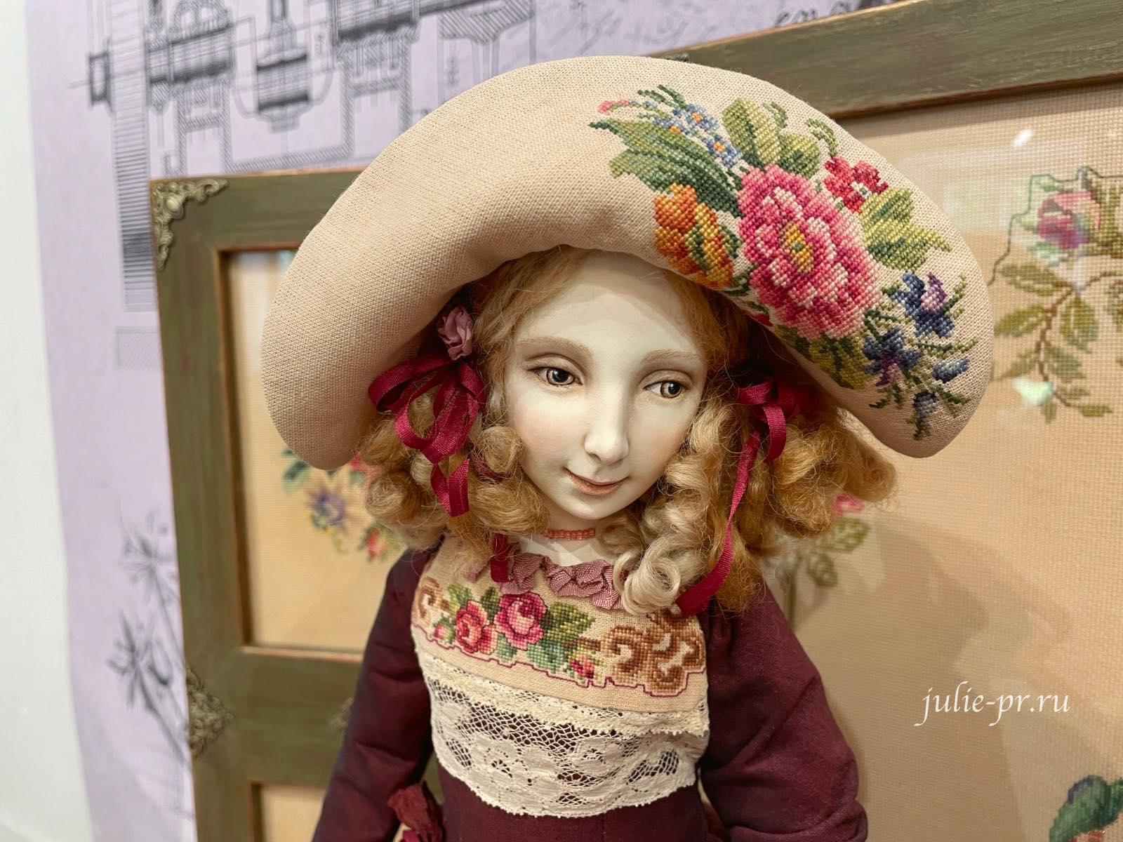 Выставка Кукловодство, кукла Мери, вышивка крестом, берлинская вышивка