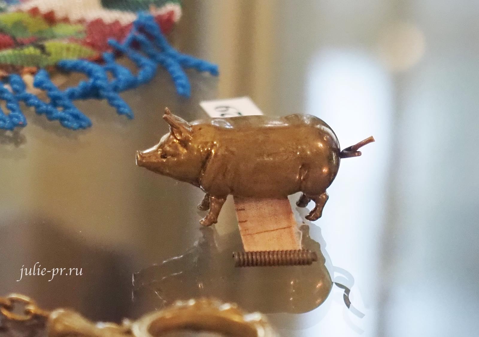 Сантиметровая лента в виде свинки — Западная Европа, конец XIX в.