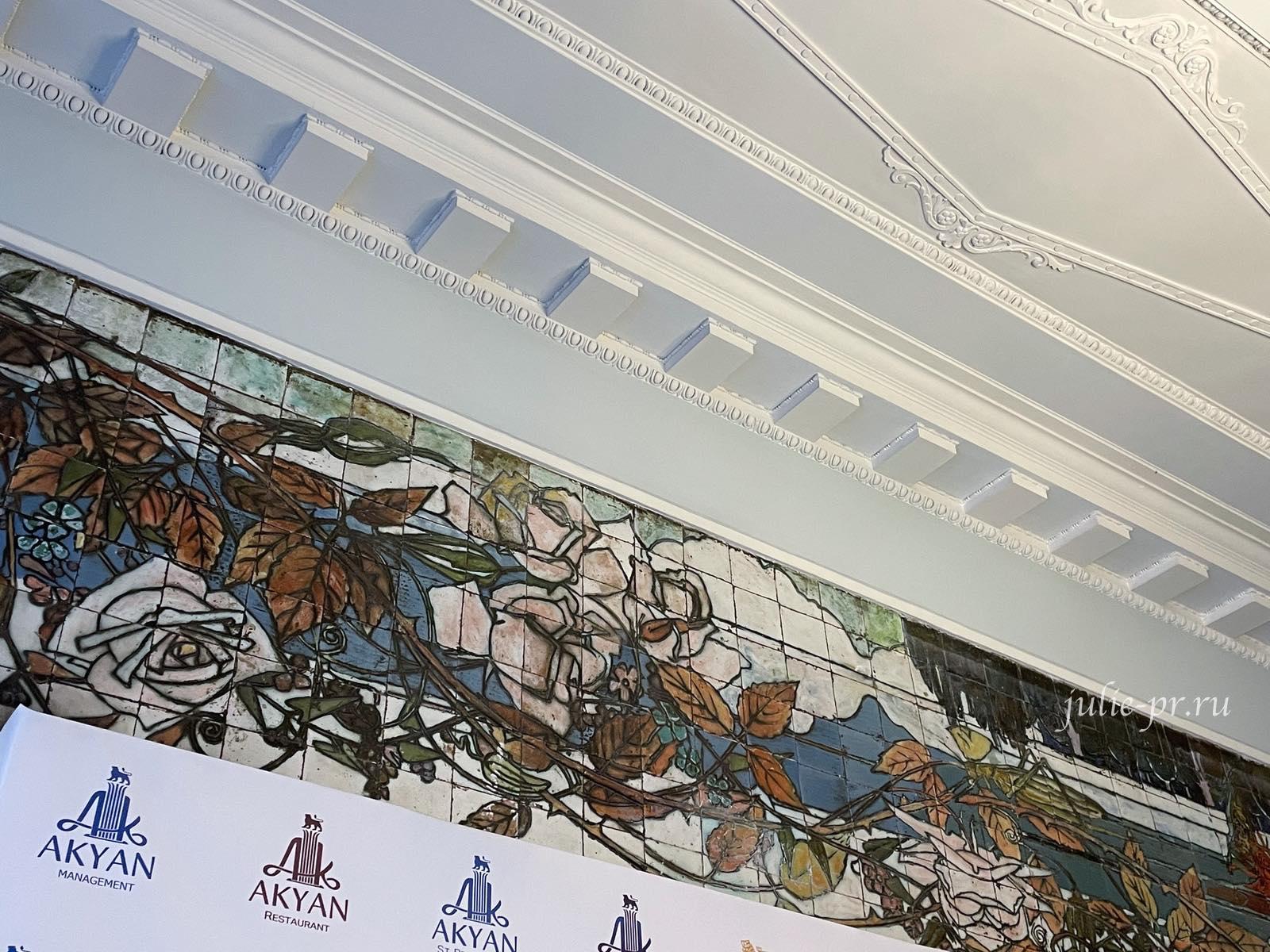 Парадная Петербурга, Доходный дом Бадаева, открытые парадные Питер