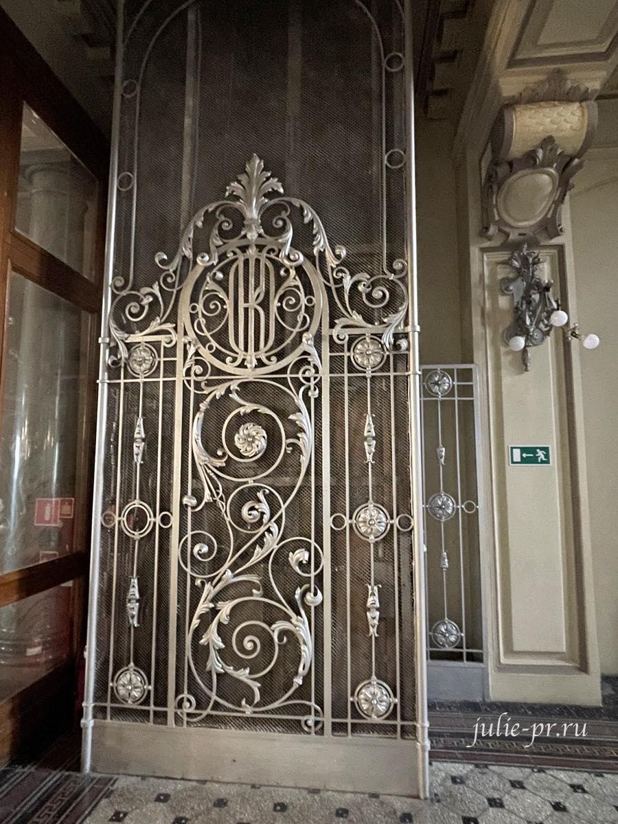 Открытая парадная, Санкт-Петербург, набережная канала Грибоедова 13, Здание Санкт-Петербургского общества взаимного кредита, лифт