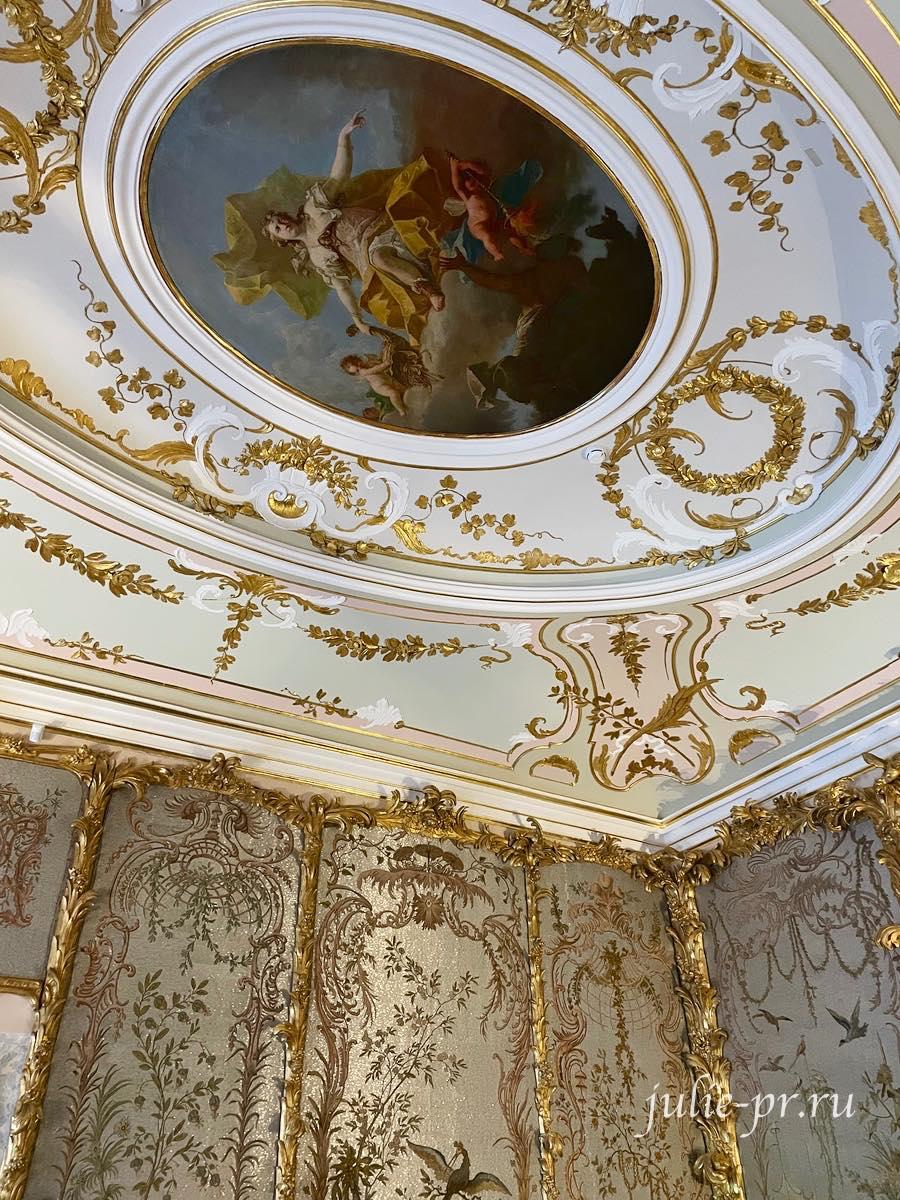 Ораниенбаум, Ломоносов, Китайский дворец, стеклярусный кабинет, вышивка гладью, вышивка стеклярусь, синель